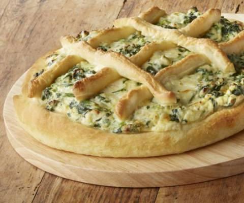 Pizza farcie à la ricotta, épinards et mozzarella - Galbani