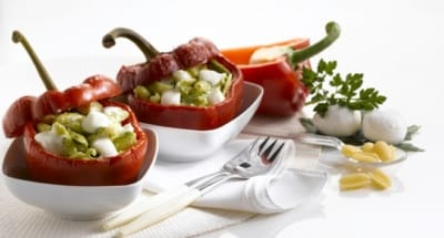 Poivrons farcis aux gnocchettis sardes, pesto d'ortie et Mozzarella - Galbani