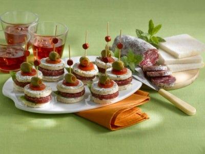 Mini-sandwichs au saucisson - Galbani