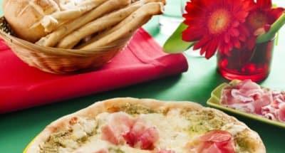 Pizza au jambon speck et à la crème d'artichauts - Galbani