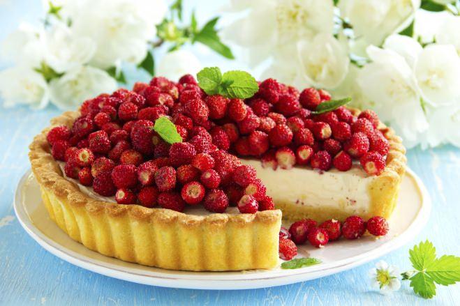 Crostata à la crème avec des fraises des bois - Galbani