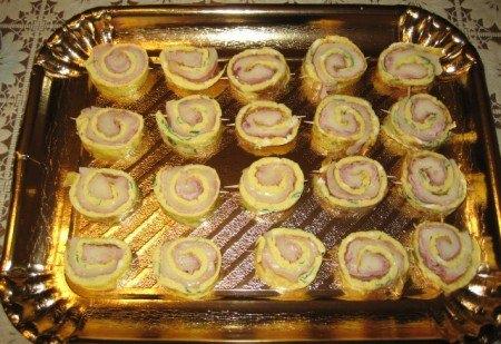 Petits rouleaux d'omelette au jambon blanc et Mozzarella - Galbani