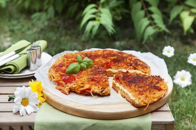 Omelette de spaghettis à la Mozzarella Cucina et aux tomates - Galbani