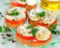 Toasts tomates mozzarella - Galbani