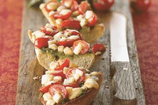 Bruschetta de tomates cerises, pesto et mozzarella - Galbani