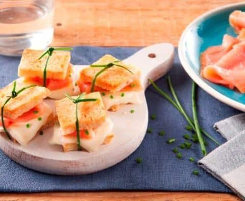 Mini-Croques Saumon Mozzarella et Ciboulette - Galbani