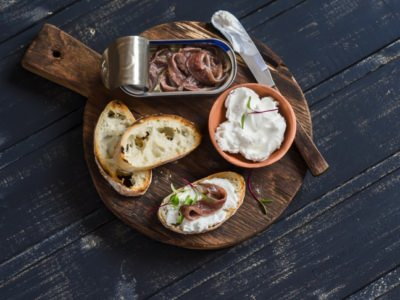 Croûtons aux anchois marinés, mozzarella et endives - Galbani