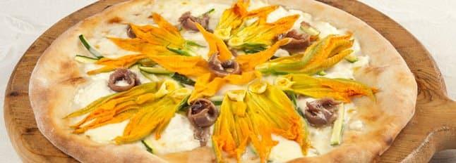 Pizza ricotta, gorgonzola et fleurs de courge - Galbani