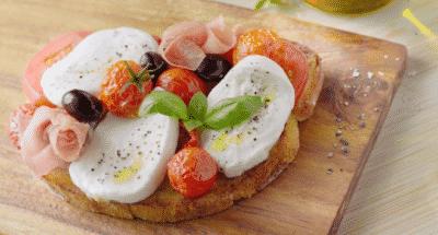 Bruschetta tomates confites, mozzarella et jambon de Parme - Galbani
