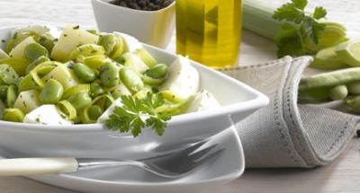 Salade chaude de pommes de terre, fèves et quartiers de Mozzarella - Galbani