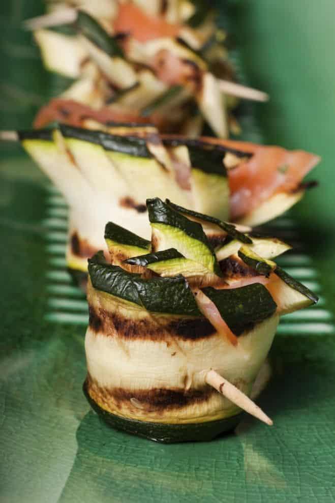 recette mini rouleaux de courgette la ricotta et au saumon antipasti galbani. Black Bedroom Furniture Sets. Home Design Ideas