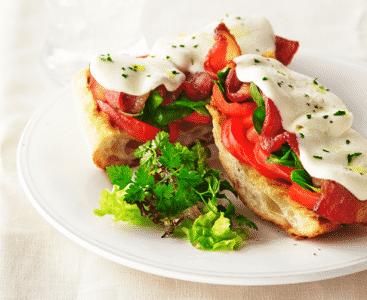 Pain grillé Tomates Mozzarella Au Lard Et Vinaigre Balsamique - Galbani