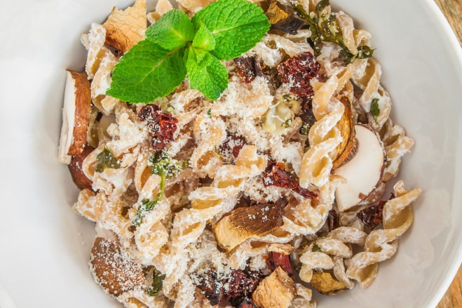 Pâtes ricotta, saucisse et champignons - Galbani