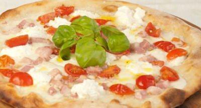 Pizza ricotta, pancetta et tomates cerises - Galbani
