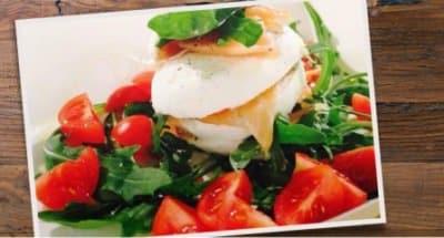 Salade au saumon, roquette et mozzarella - Galbani