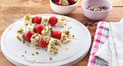 Brochettes de Mozzarella aux fraises et aux éclats de pistache - Galbani