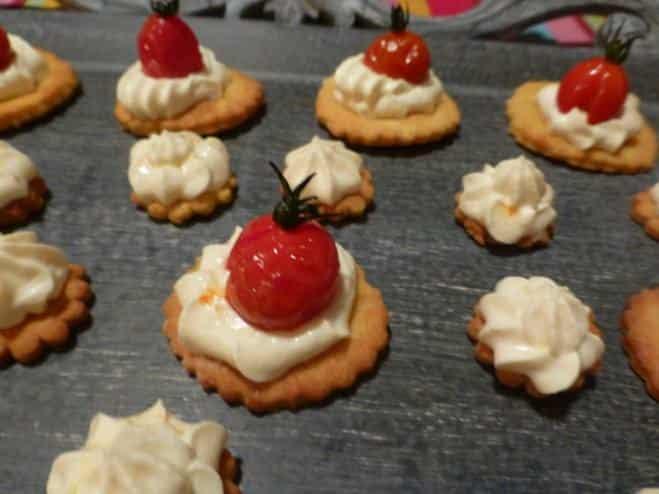 Sablés Croquants à la ricotta sur tomates cerises rôties - Galbani