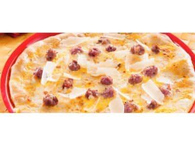 Pizza blanche aux saucisses, avec crème et safran - Galbani