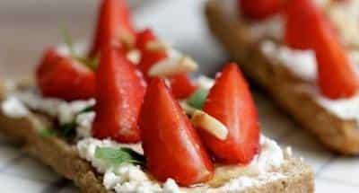 Tartine ricotta et fraises - Galbani