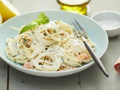Spaghettis au saumon fumé et <br>ciboulette. - Galbani