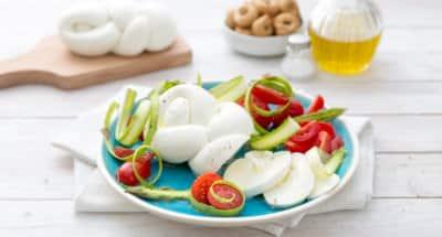 Salade Caprese avec carpaccio d'asperges - Galbani