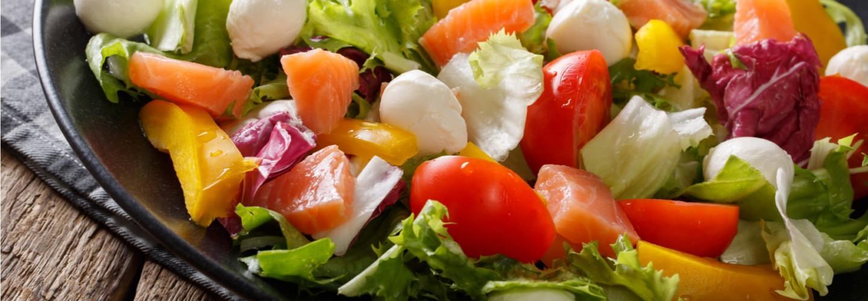 Salade de saumon, pêche et mozzarella - Galbani