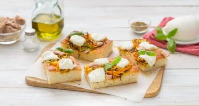 Pizza aux pommes de terre, julienne de légumes et Mozzarella - Galbani