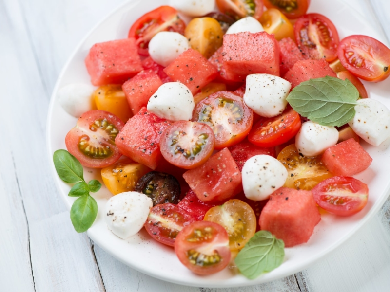 Salade de Pastèque, Tomates, Olives, Mozza et Basilic - Galbani