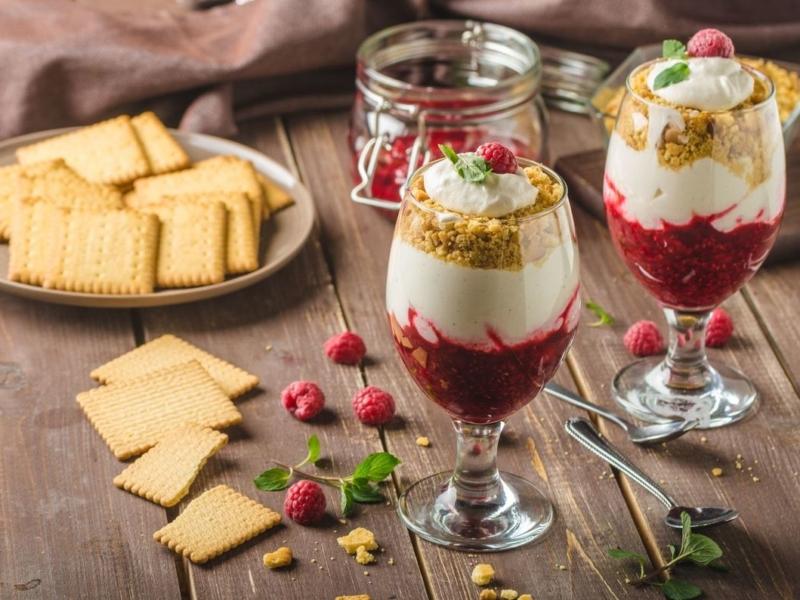 Coupe mix tiramisu/crumble aux framboises - Galbani
