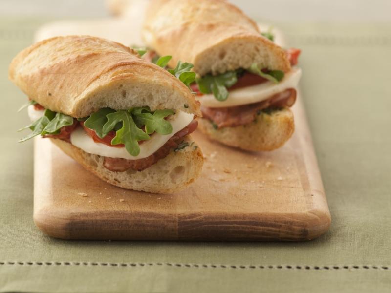 Sandwich à la Mozzarella, Tomates et Pancetta - Galbani